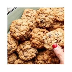 quaker-vanishing-oatmeal-raisin-cookies image