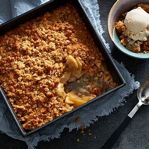 classic-apple-crisp-with-oats-chatelaine image