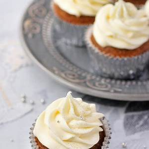 gingerbread-cupcakes-with-lemon-frosting-hanielas image