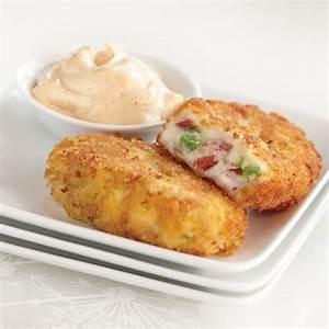 spanish-style-potato-croquettes-with-smoked-paprika-aioli image