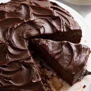 easy-chocolate-fudge-cake-recipetin-eats image