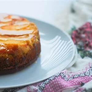 recipe-peach-upside-down-cake-with-vanilla-caramel-sauce image