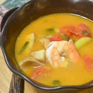 authentic-thai-tom-yum-soup-recipe-mommy-musings image
