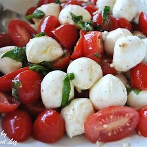 spring-tomato-basil-bocconcini-salad-2-sisters image