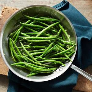heavenly-sauteed-string-beans-with-garlic image