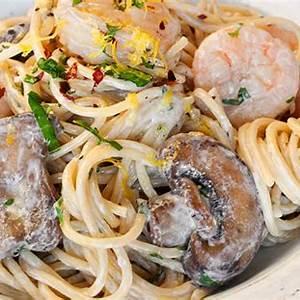 light-and-creamy-shrimp-and-mushroom-pasta image