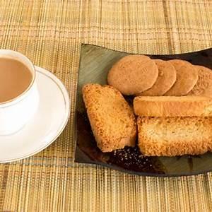 masala-chai-recipe-indian-cardamom-flavored-spiced image
