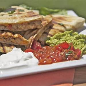 easy-smoked-chicken-cheese-quesadilla image