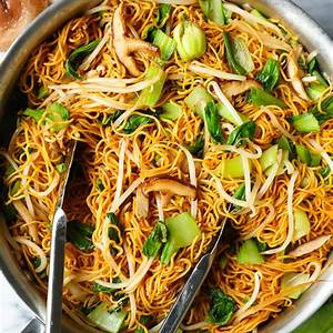 easy-chow-mein-damn-delicious image