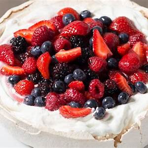 pavlova-with-whipped-cream-and-berries image