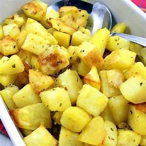 easy-baked-garlic-potatoes-lovefoodies image