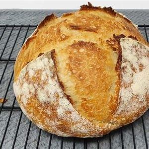 beginner-sourdough-bread-full-guide image