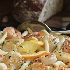 seafood-pasta-with-shrimp-and-scallops-and-garlic image