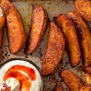 crunchy-seasoned-baked-potato-wedges-recipetin-eats image