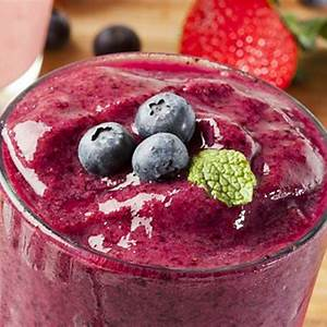 wild-berry-smoothie-recipe-with-healthy-low-fat-yogurt image