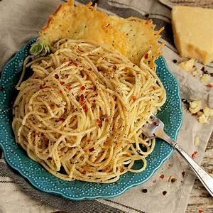 black-pepper-pasta-with-parmesan-crisps-frigo-cheese image
