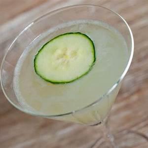 cucumber-gimlet-recipe-serious-eats image