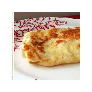 how-to-turn-a-tortilla-into-a-french-crpe-food-hacks image