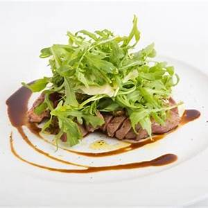 flank-steak-with-arugula-recipe-slimfast image
