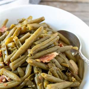 southern-style-seasoned-green-beans-with-bacon-the image