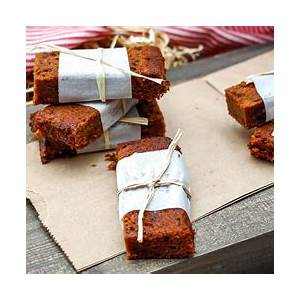 easy-peasy-ginger-date-bars-paleo-naturally-sweetened image